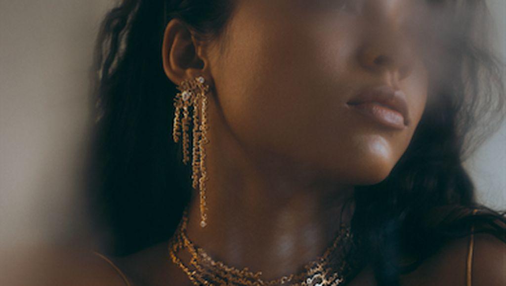 Saat Untaian Kata Cinta Pramoedya Ananta Toer Menjadi Perhiasan Cantik