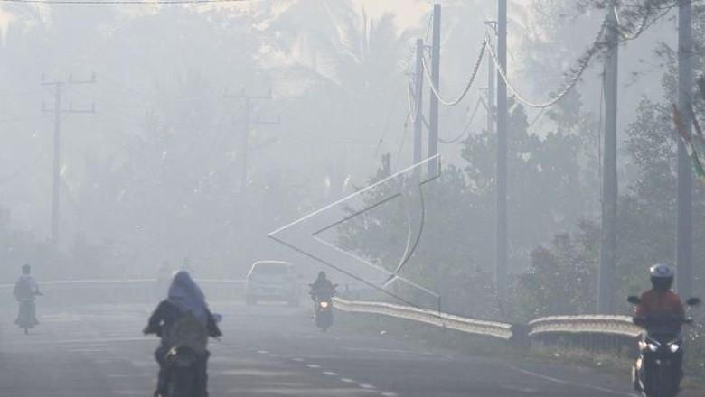 Penerbangan di Aceh Terganggu Akibat Kabut Asap Kiriman dari Riau