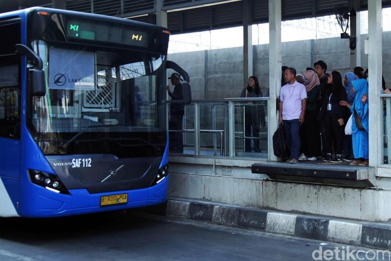 Transjakarta. Foto: Lamhot Aritonang
