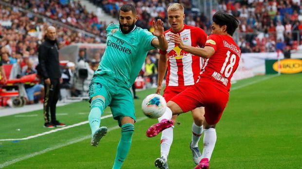 Karim Benzema andalan Real Madrid mencetak gol.