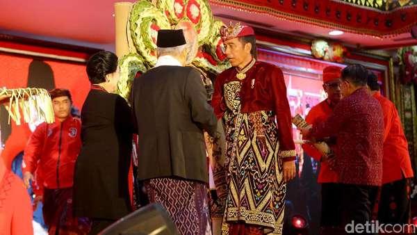 Gayung Bersambut Jokowi-Mega Soal Menteri Terbanyak