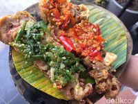 Taichan Bang Gondrong: Pedas Gurih Sate Taichan XL dan Geprek Dua Sambal