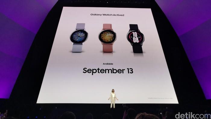 Galaxy Watch Active 2 edisi Under Armor. Foto: Kris Fathoni