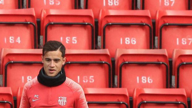Philippe Coutinho saat mengunjungi Anfield sebagai pemain Barcelona musim lalu.