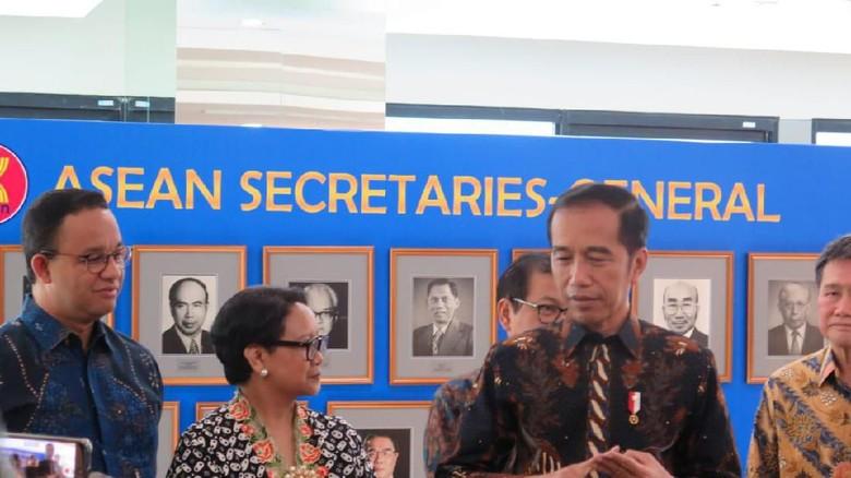 Jokowi Bicara soal Insentif untuk Mobil Listrik, Anies Menimpali
