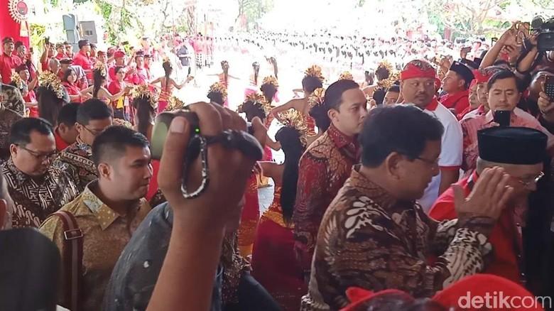 Tiba di Kongres V PDIP, Prabowo Disambut Yasonna-Tjahjo
