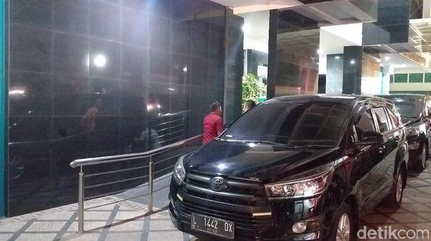 KPK menggeledah kantor BPKAD Jatim, Kamis (8/8/2019)