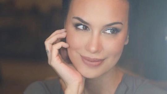 Ultah ke-49, Sophia Latjuba Tetap Kece dan Seksi