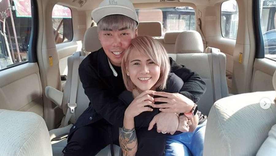Kumpulan Potret Kemesraan Roy Kiyoshi dan Evelyn Anjani