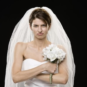 Wanita Beli Gaun Pengantin Sebelum Dilamar Kekasih, Berakhir Diejek Netizen