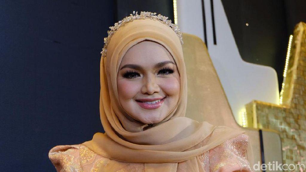 Cantiknya Awet, Siti Nurhaliza Ungkap Tips Perawatan Kulit di Usia 40