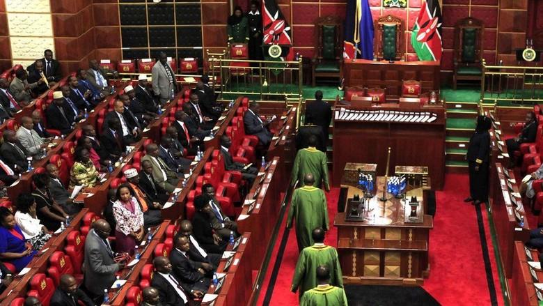 Anggota Parlemen Diusir dari Ruang Sidang karena Membawa Bayi