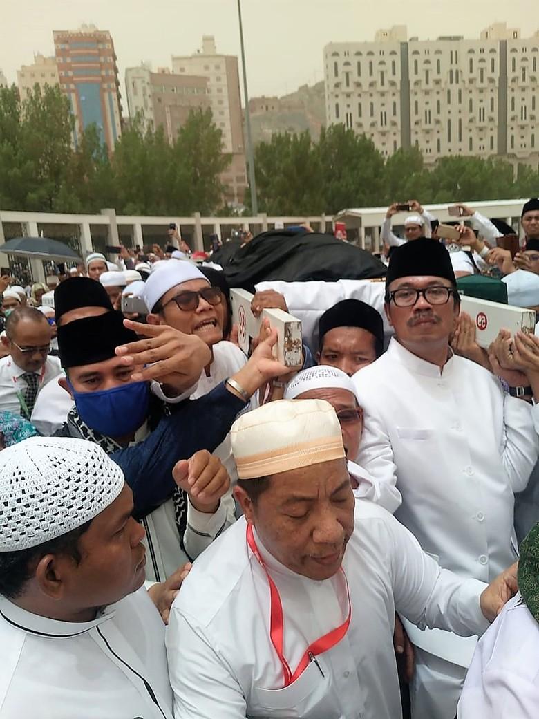 Dubes Agus Respons Gus Wafi soal Habib Rizieq Diminta Keluarga Pimpin Doa