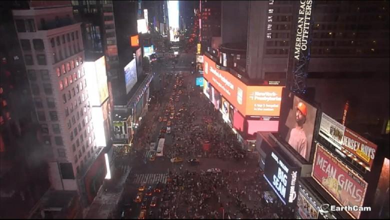 Letupan Knalpot Dikira Tembakan, Begini Kepanikan di Times Square