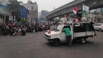 Massa Demo Driver Taksi Online di Blok M Bubar dengan Tertib