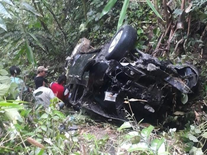 Mobil Masuk Jurang Di Simalungun 5 Orang Terluka