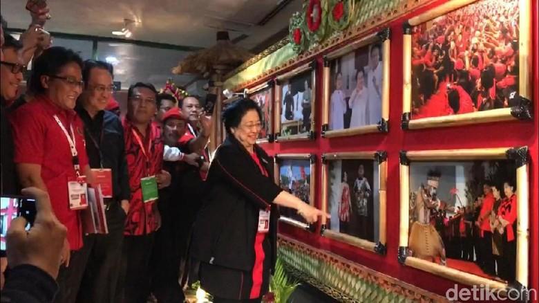 Saat Megawati Favoritkan Foto Bareng Prabowo