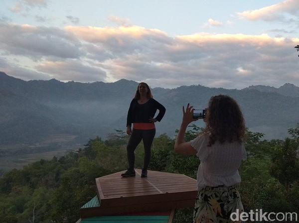 Dalam perkembangannya sejak tahun 2013, pengelolaan wisata Punthuk Setumbu dilakukan masyarakat Dusun Kurahan, Desa Karangrejo. (Eko Susanto/detikcom)