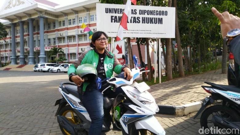 Viral Ojol Lulus Cum Laude di Undip, Driver Lain Berjasa di Skripsinya
