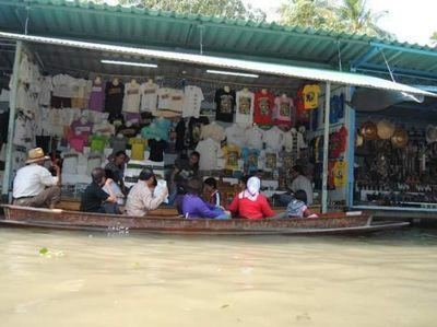 Sensasi Mencari Makanan Halal di Thailand