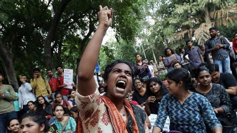 India Longgarkan Sejumlah Pembatasan di Wilayah Kashmir
