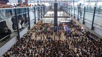 Massa Anti-pemerintah Lumpuhkan Bandara Hong Kong Selama 3 Hari