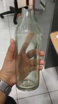 Kalau tentara Jepang, minumnya sake dan botol-botolnya pun masih ada tersimpan di Balai Arkeologi papua (Istimewa/Balai Arkeologi Papua)