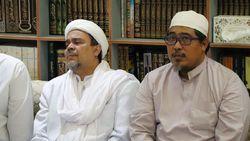 Habib Rizieq Cerita Isyarat Hujan Jelang Mbah Moen Wafat di Mekah