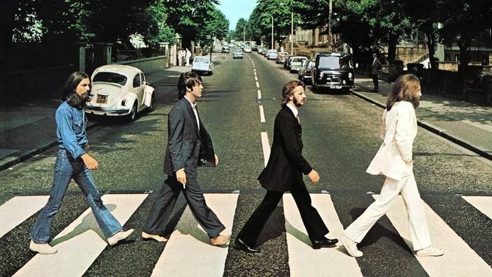The Beatles di Abbey Road: Siapa orang Skotlandia yang mengambil foto mereka menyeberang jalan?
