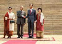 Presiden Joko Widodo (Jokowi) bertemu dengan PM Malaysia Mahathir Mohamad /