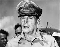 Di bawah komando Jendral Douglas MacArthur dengan strategi Lompat Katak, AS berhasil memukul mundur Jepang dan memenangkan peperangan (AFP)