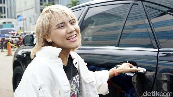 Akui Dekat dengan Roy Kiyoshi, Evelyn Kok Kabur?