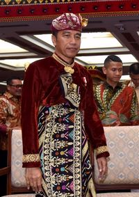 Jokowi traditionally wears Balinese clothing during the PDIP Congress /