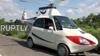Hasil modifikasi tersebut juga membuat Prasad puas, karena ia sukses membuat dan mengendarai kendaraan mirip helikopter untuk pertama kalinya.Foto: Pool (RushLane)