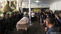 Keluarga Serahkan Jenazah Cosmas Batubara ke Pemerintah untuk Dimakamkan
