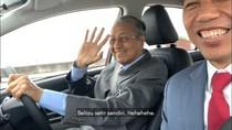Melihat Aksi Presiden Jokowi Nge-Vlog Disopiri PM Malaysia