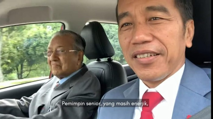 Aksi Presiden Jokowi nge-vlog disopiri PM Malaysia Mahathir Mohamad