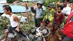 Evakuasi Korban Longsor di Myanmar