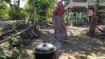 Elpiji 3 Kg Langka, Warga Maros Pakai Kayu Bakar untuk Masak Jelang Idul Adha
