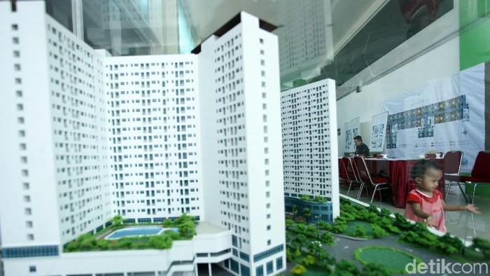 Pemprov DKI Jakarta membuka kembali pendaftaran untuk Rumah DP Rp 0 Pondok Kelapa, Jakarta Timur. Warga tampak antusias.