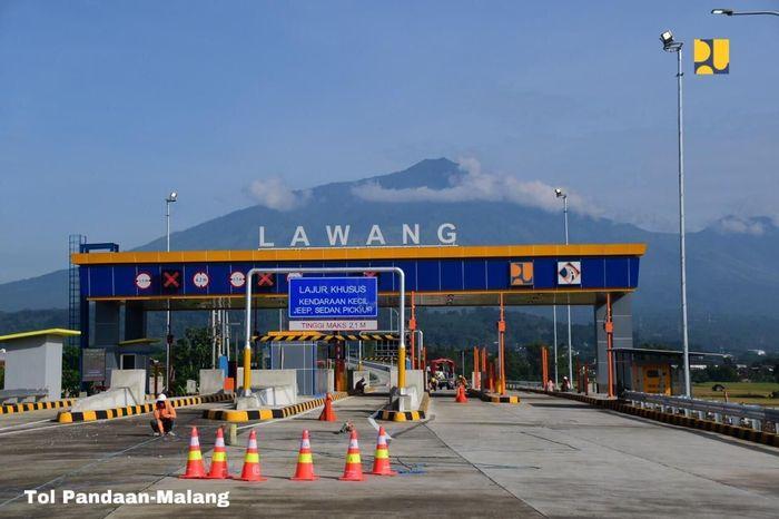 Kedua ruas Tol Trans Jawa tersebut telah diuji coba pengoperasian tanpa tarif sejak diresmikan oleh Presiden Joko Widodo pada tanggal 14 Mei 2019. Pool/Kementerian PUPR.
