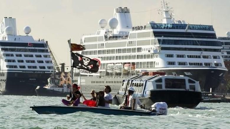 Kapal Pesiar Besar dan Termewah. Foto: (CNN)
