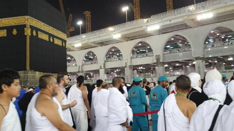 Konsentrasi Jemaah Haji Indonesia Terpecah