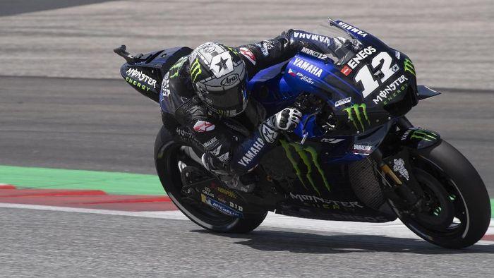 Aksi Maverick Vinales di Kualifikasi MotoGP Austria. (Foto: Mirco Lazzari gp/Getty Images)