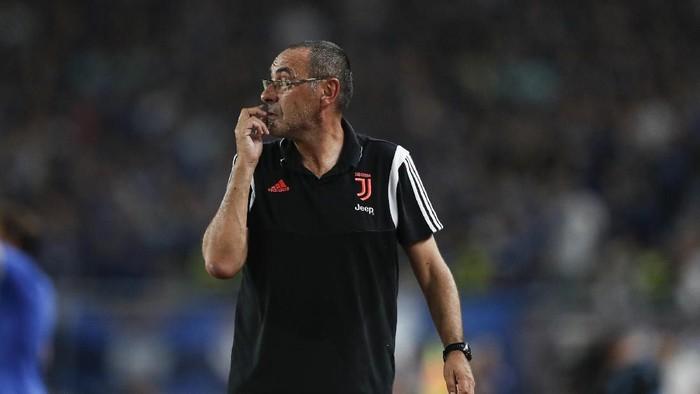 Pelatih Juventus, Maurizio Sarri sakit pneumonia. Foto: Fred Lee/Getty Images