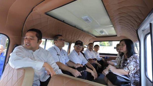 Wali Kota Tangerang Luncurkan Angkot Ber-AC dan Berpintu Otomatis