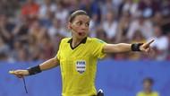 Stephanie Frappart dan Deretan Wasit Perempuan di Sepakbola Pria