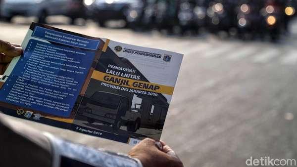 Taksi Online Tak Dapat Pengecualian Selama Uji Coba Ganjil Genap