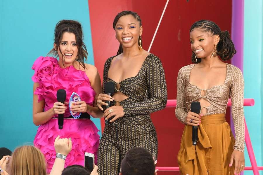 Gaya Bintang The Little Mermaid di Teen Choice Award