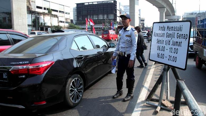 Petugas Dishub Laporkan Aksi Pemukulan Driver Ojol di Senen ke Polisi
